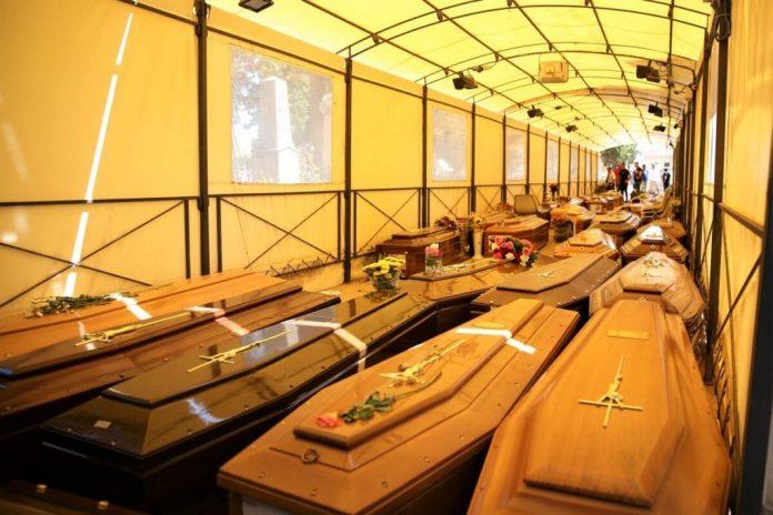 a-roma-pochi-forni-e-cimiteri,-mille-salme-in-attesa:-ecco-i-motivi-dell'emergenza