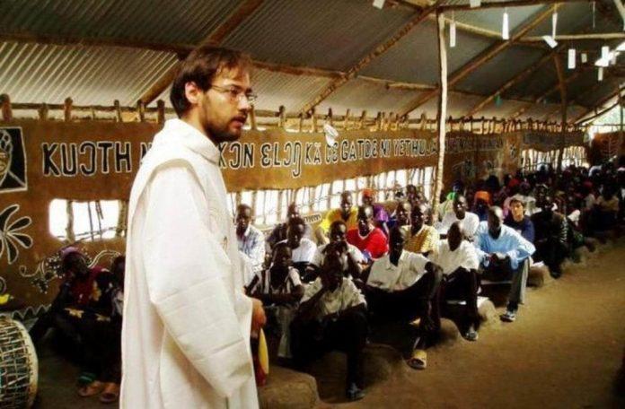 sud-sudan,-ferito-in-un-agguato-missionario-italiano-christian-carlassare,-il-vescovo-piu-giovane-del-mondo