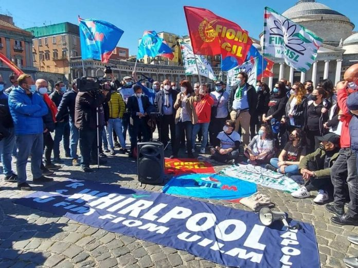"""whirlpool:-""""a-napoli-la-produzione-non-ripartira"""",-i-sindacati-chiedono-l'intervento-di-draghi"""