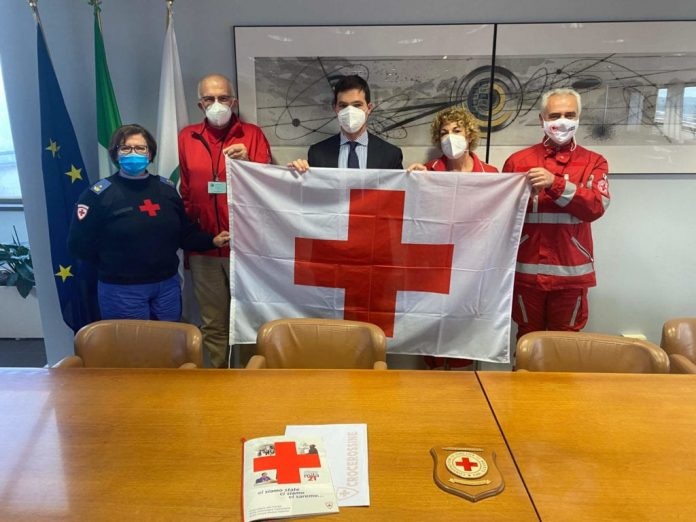 sabato-la-regione-marche-issera-la-bandiera-della-croce-rossa