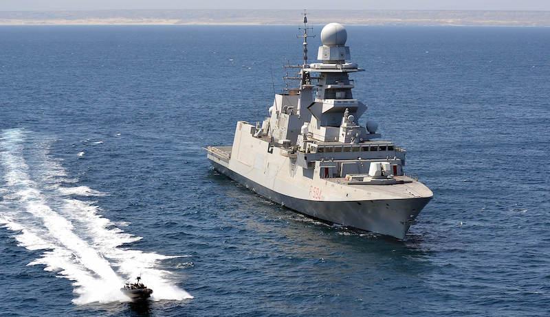gommone-diretto-verso-sette-pescherecci-in-libia,-interviene-la-marina