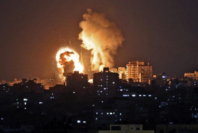 in-medio-oriente-un'altra-notte-di-raid,-almeno-115-le-vittime-a-gaza