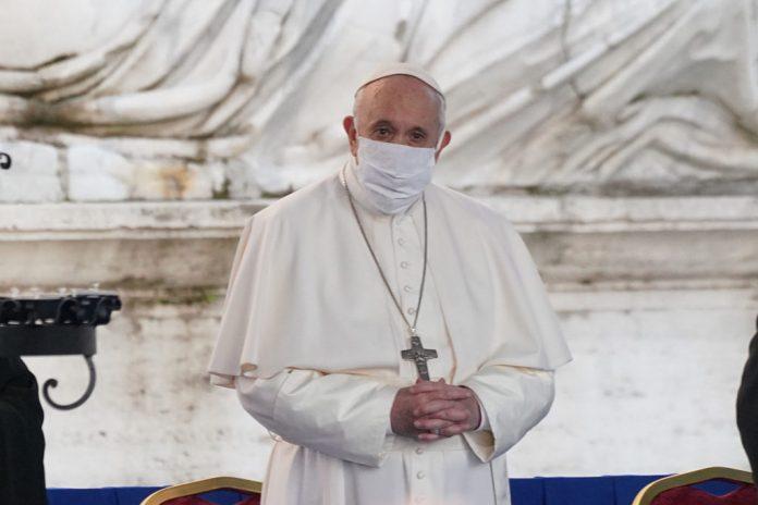 """stati-generale-della-natalita,-papa-francesco:-""""donne-costrette-a-nascondere-la-pancia,-societa-si-vergogni"""""""