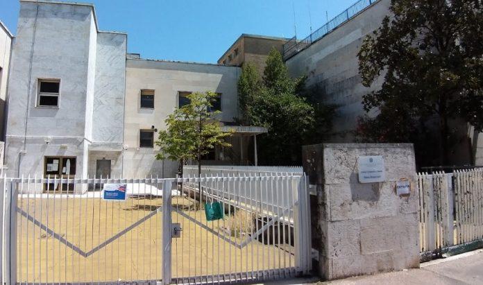 roma,-esplode-tubatura-e-crolla-soffitto-della-scuola-materna