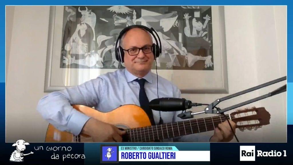 roma,-gualtieri-alla-chitarra-dedica-'bella-ciao'-a-michetti-e-battiato-a-virginia-raggi