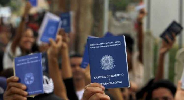 pandemic-in-brazil-leaves-'scars'-in-employment-and-work,-warns-central-bank