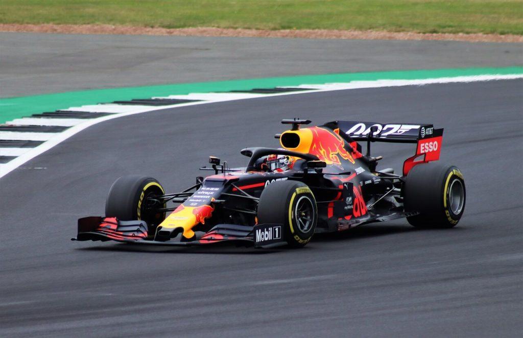 formula-1,-a-monza-bottas-vince-la-sprint-qualifying-ma-viene-penalizzato:-pole-verstappen