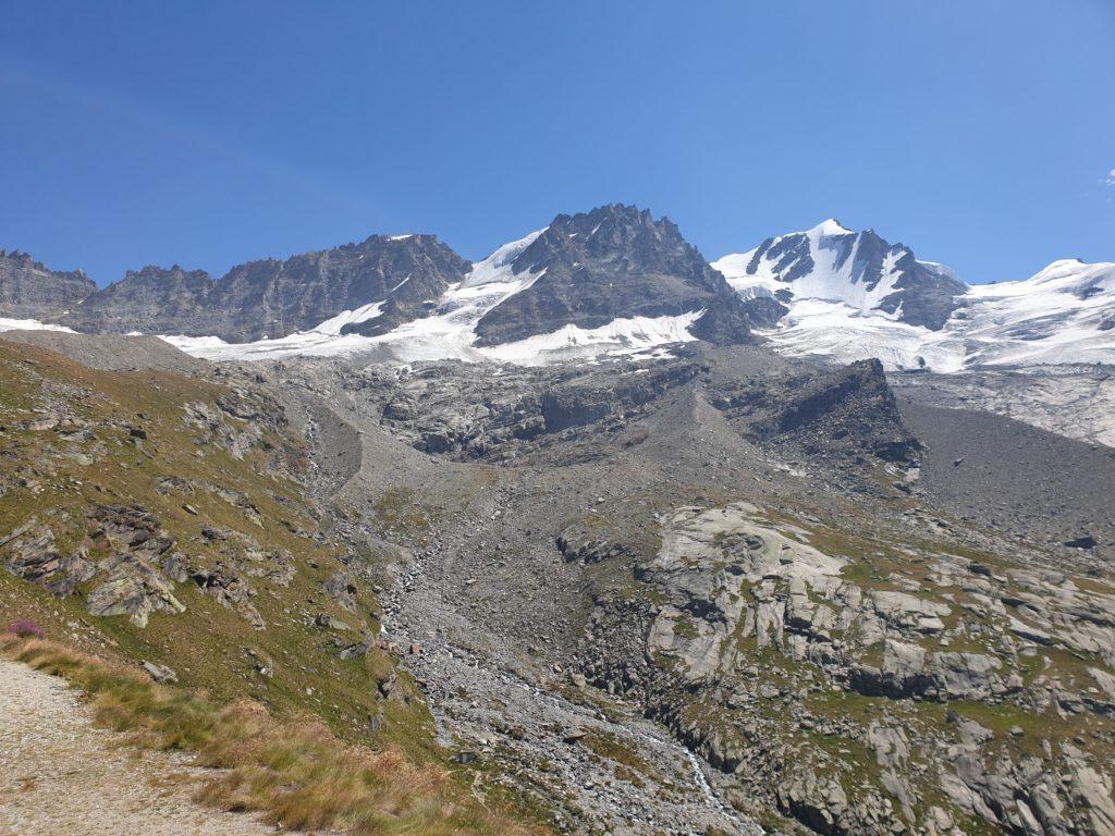 il-ghiacciaio-del-gran-paradiso-ha-perso-il-65%-della-superficie-in-120-anni