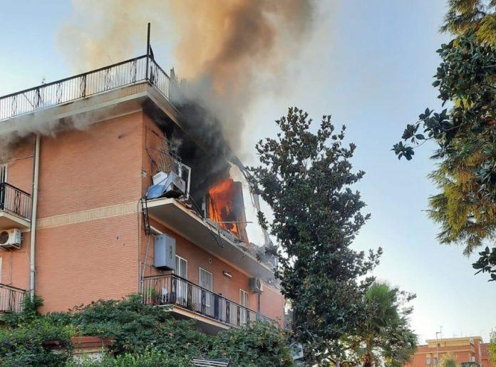 roma,-esplosione-in-una-palazzina-a-tor-bella-monaca:-ci-sono-feriti
